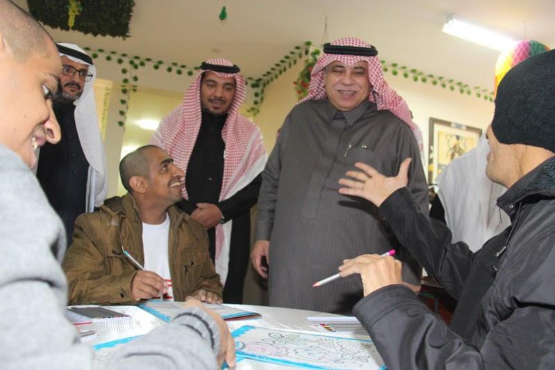 القصبي يزور ملتقى الجهات الخيرية بمنطقة الباحة  (28)