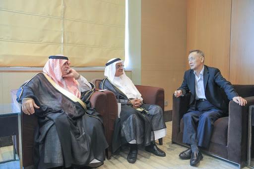 القصبي يلتقي مؤسس شركة ZTE الصينية للتكنولوجيا
