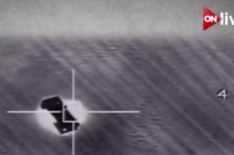 بالفيديو.. الطيران المصري يقصف 15 سيارة محملة بأسلحة وذخائر حاولت اختراق الحدود الغربية - المواطن