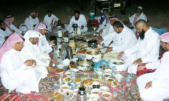 اللمة والأهل والتمر رمضان