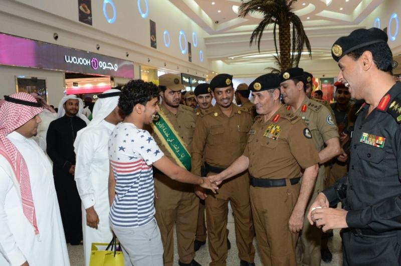 اللواء الدويسي يدشن حملة عيّد بسلام المرورية بجازان (270503782) 