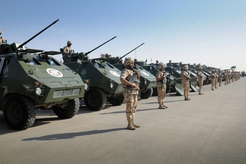 """اللواء العتيبي يتفقد جاهزية الوحدات المشاركة بالتمرين المشترك """"أمن الخليج العربي1"""" (1)"""