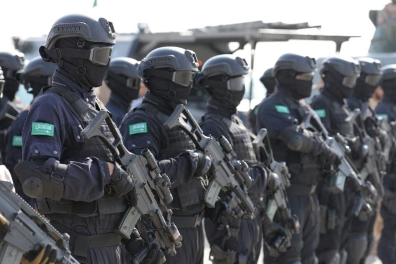 """اللواء العتيبي يتفقد جاهزية الوحدات المشاركة بالتمرين المشترك """"أمن الخليج العربي1"""" (23)"""