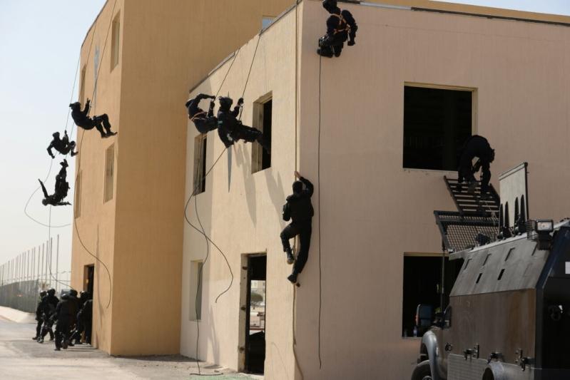 """اللواء العتيبي يتفقد جاهزية الوحدات المشاركة بالتمرين المشترك """"أمن الخليج العربي1"""" (29)"""