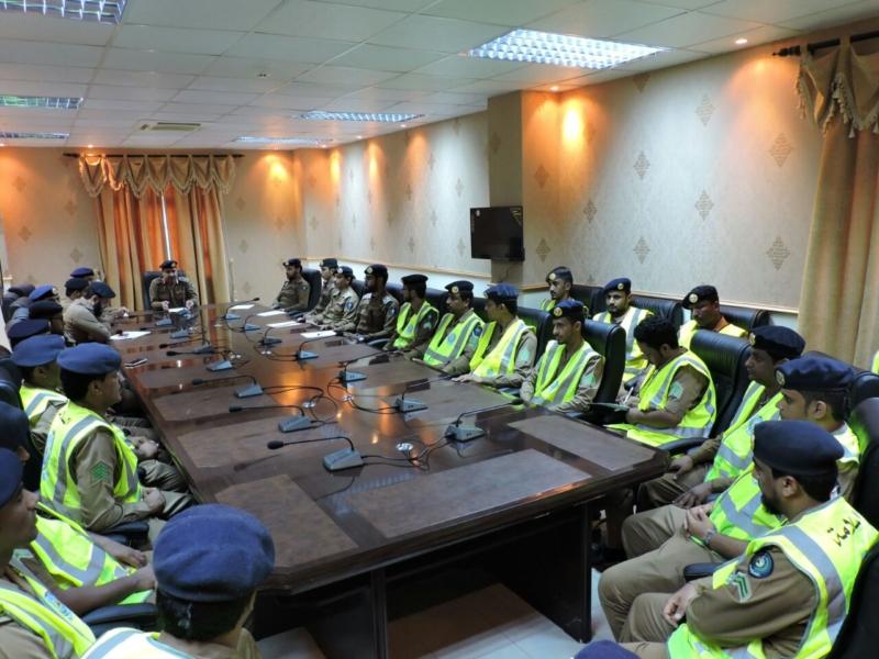 اللواء العمري يدشن الخطة الرمضانية للدفاع المدني (1)
