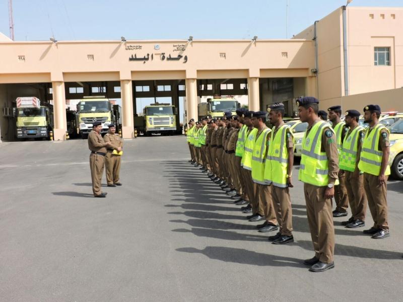 اللواء العمري يدشن الخطة الرمضانية للدفاع المدني (101297886) 