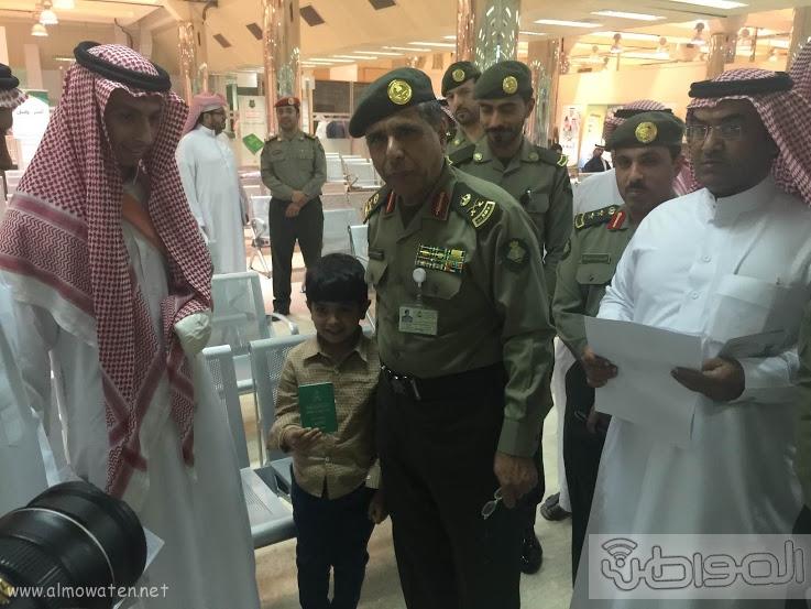 اللواء اليحيى يدشن صالة ذوي الاحتياجات الخاصة بجوازات الرياض (6)