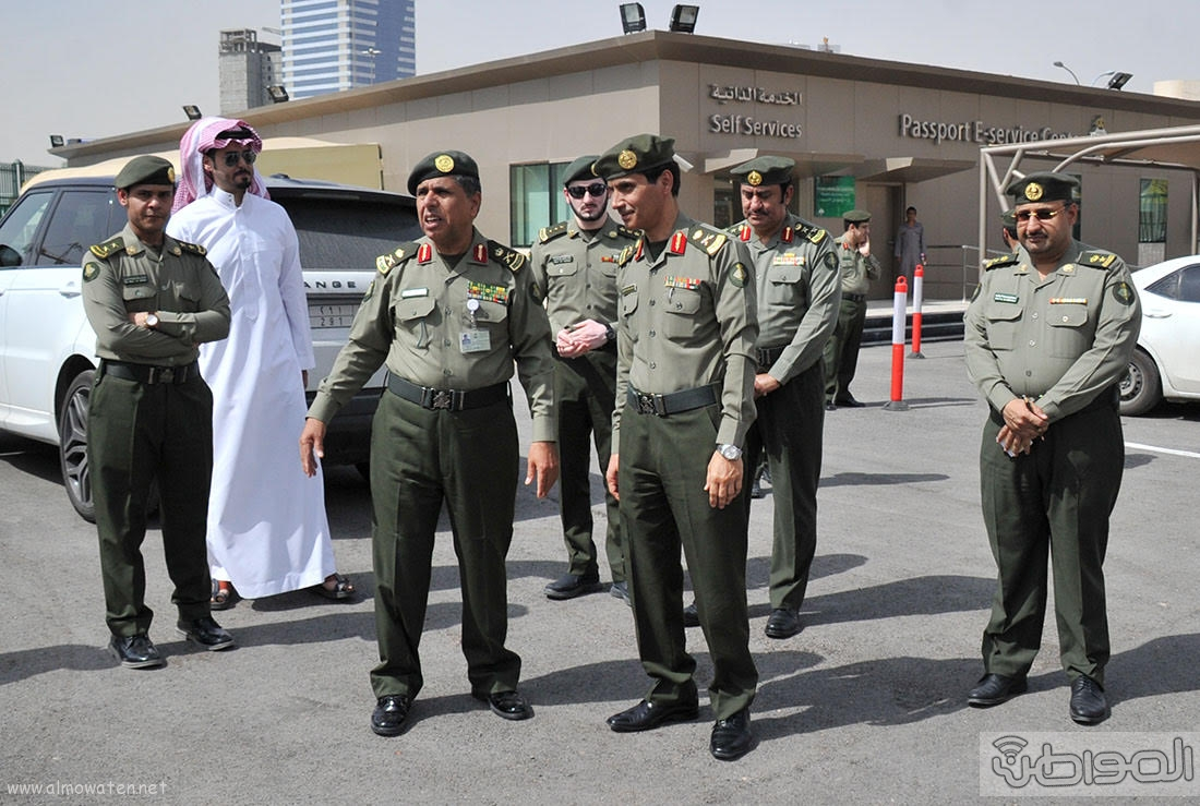 اللواء اليحيى يدشن صالة ذوي الاحتياجات الخاصة بجوازات الرياض (8)