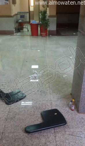 المجاري تُغرق ملحق كلية بنات القنفذة (2)