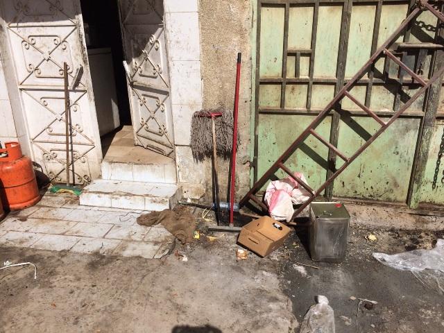 المجاري والأكل المكشوف يغلقان مطعمًا في أبا السعود #نجران (3)