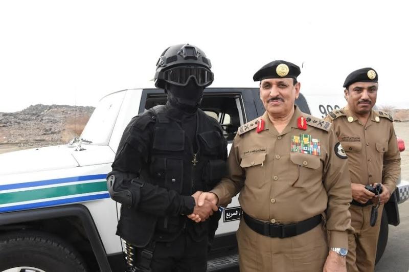 المحرج يزور مراكز الضبط الأمني وقيادة أمن الطرق 10