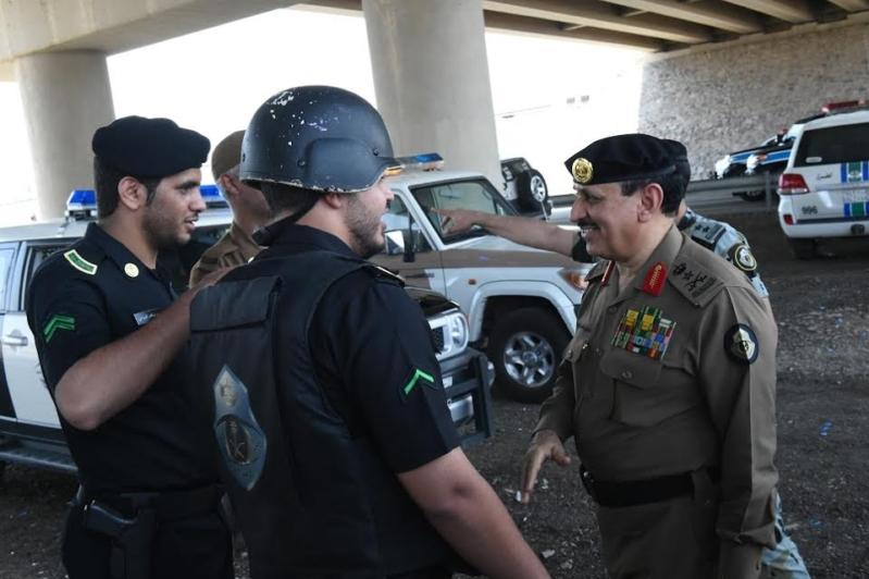 المحرج يزور مراكز الضبط الأمني وقيادة أمن الطرق