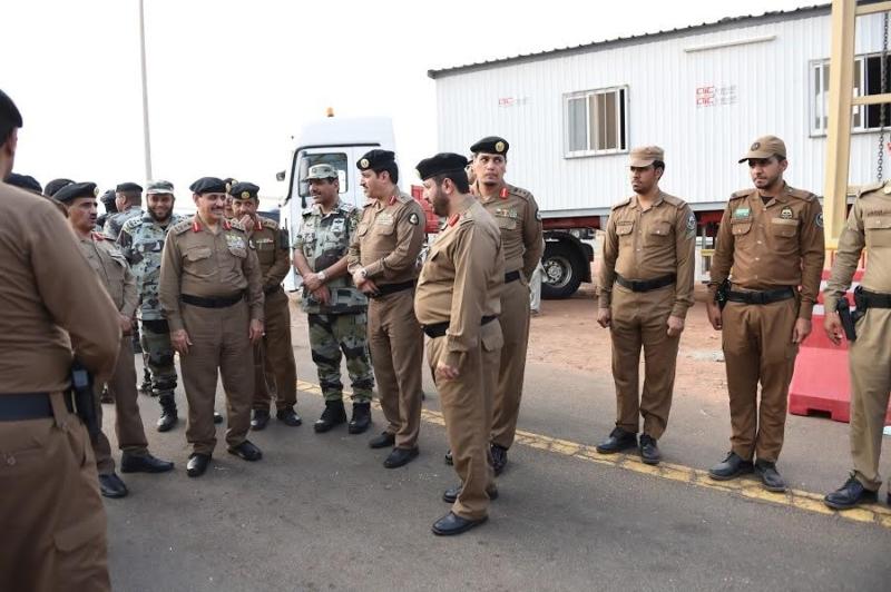المحرج يزور مراكز الضبط الأمني وقيادة أمن الطرق 9