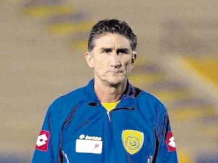 المدرب الأرجنتيني باوزا
