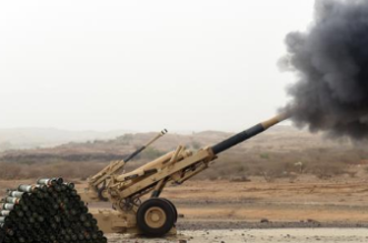 المدفعية السعودية تقصف أهدافاً عسكرية حوثية باليمن - المواطن