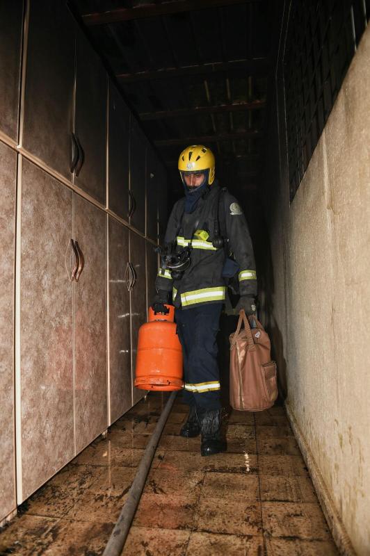 المدني يباشر حريقاً بمستودع منزلي بنقرة حائل 4