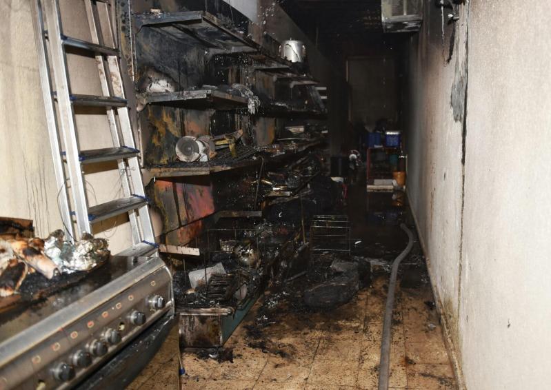 المدني يباشر حريقاً بمستودع منزلي بنقرة حائل 5