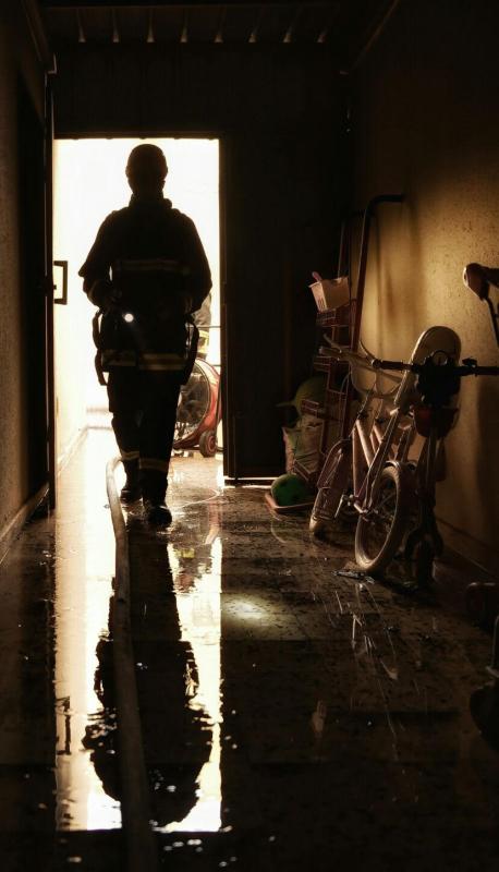المدني يباشر حريقاً بمستودع منزلي بنقرة حائل 6