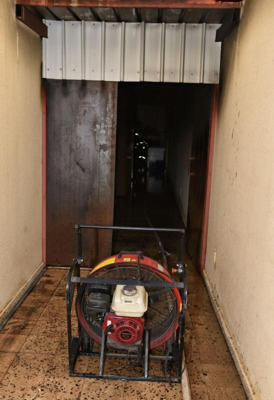 المدني يباشر حريقاً بمستودع منزلي بنقرة حائل 8
