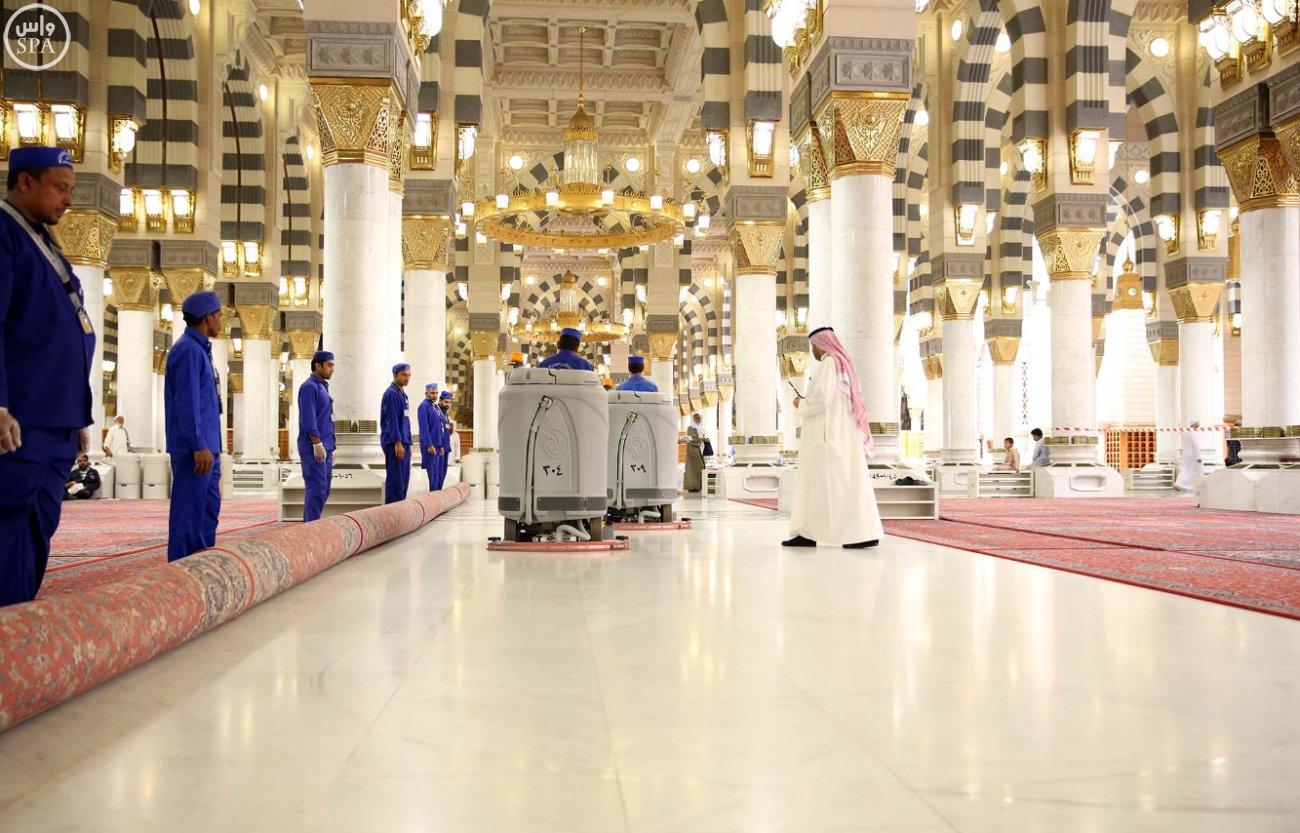 المسجد النبوي يتأهب لاستقبال المصلين (2)