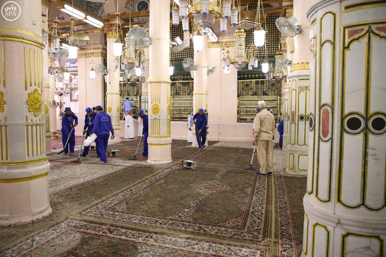 المسجد النبوي يتأهب لاستقبال المصلين (4)