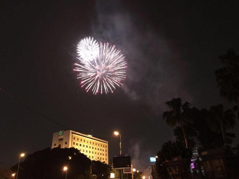 المصريون يحتفلون 1