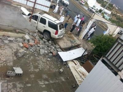 المفارجة بمنطقة الباحة وفاة رجل في حادث سيارة بعد سقوط الأمطار4