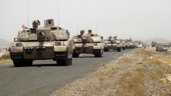 Tanks of fighters loyal to Yemen's President Abd-Rabbu Mansour Hadi are seen on a road leading to the al-Anad military and air base in the country's southern province of Lahej August 3, 2015. Fighters loyal to Yemen's exiled president Abd-Rabbu Mansour Hadi, bolstered by Gulf Arab support, seized the country's largest military base from Houthi forces on Monday after heavy combat in which dozens were killed or captured, a pro-Hadi commander said. Picture taken August 3, 2015. REUTERS/Stringer