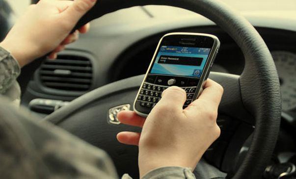 المكالمات-الهاتفية-اثناء-القيادة