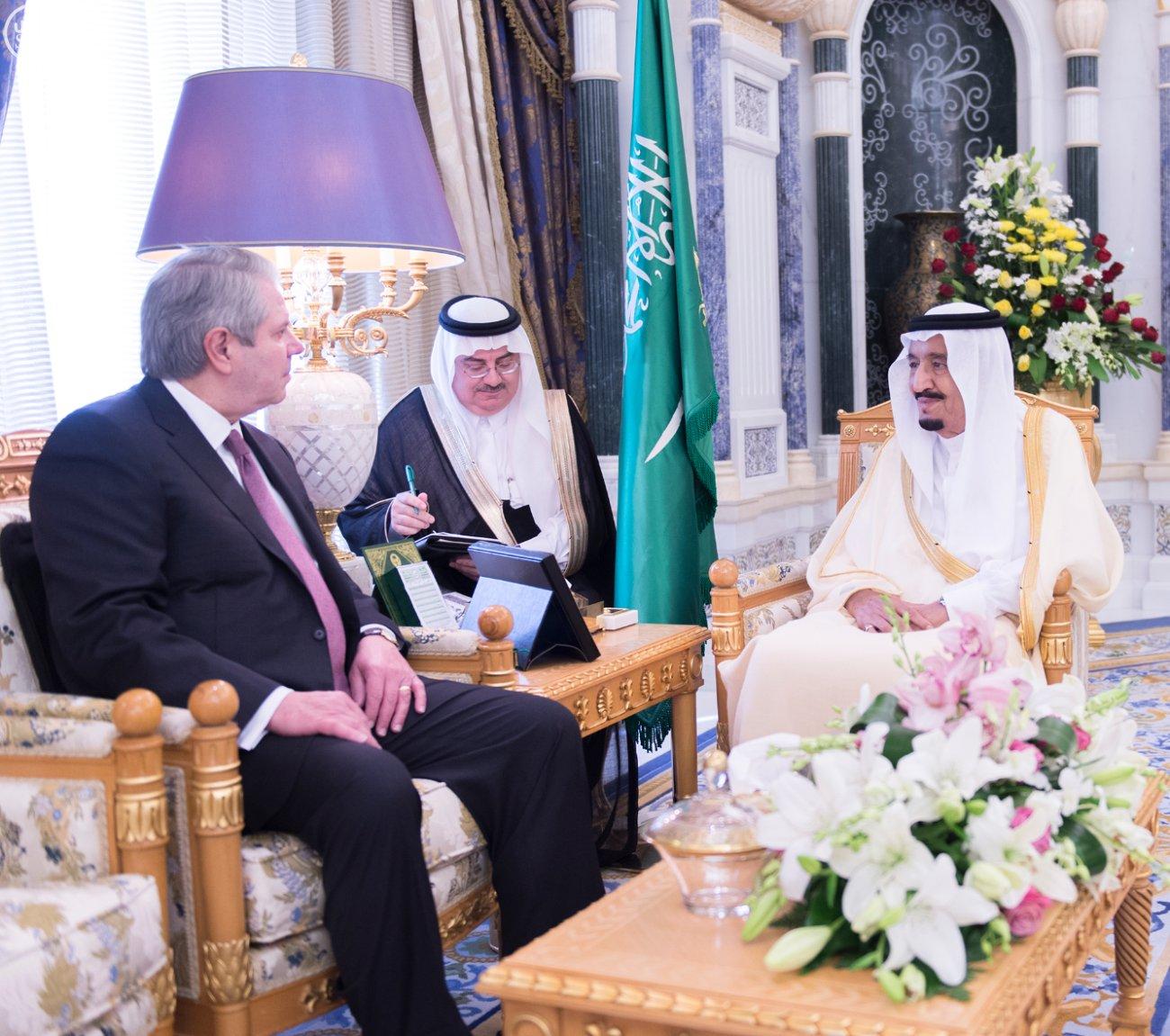 الملك-سلمان ورئيس المراجعة المالية الأمريكي (1)