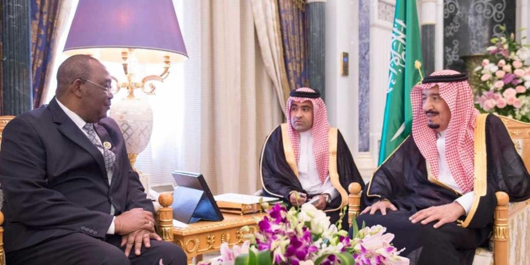 الملك يبحث مع رئيس الجمعية الوطنية بتشاد آفاق التعاون المشترك