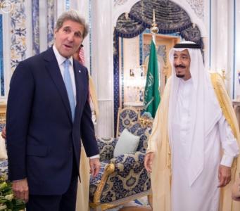 الملك سلمان ووزير الخارجية الامريكي جون كيري1