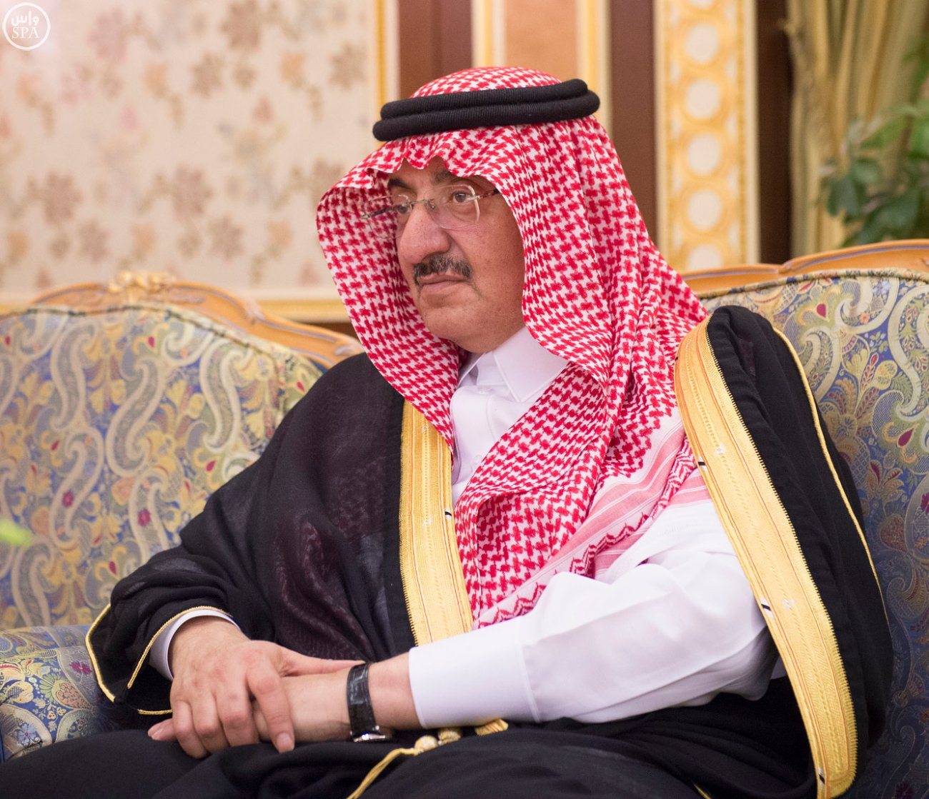 الملك سلمان يتسلم أوراق اعتماد 12 سفيراً لدى السعودية (3)