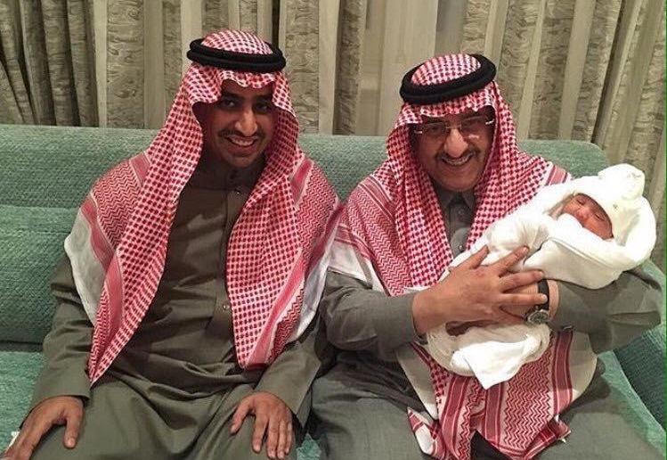 الملك سلمان يحتفي بمولود ولي العهد (2)