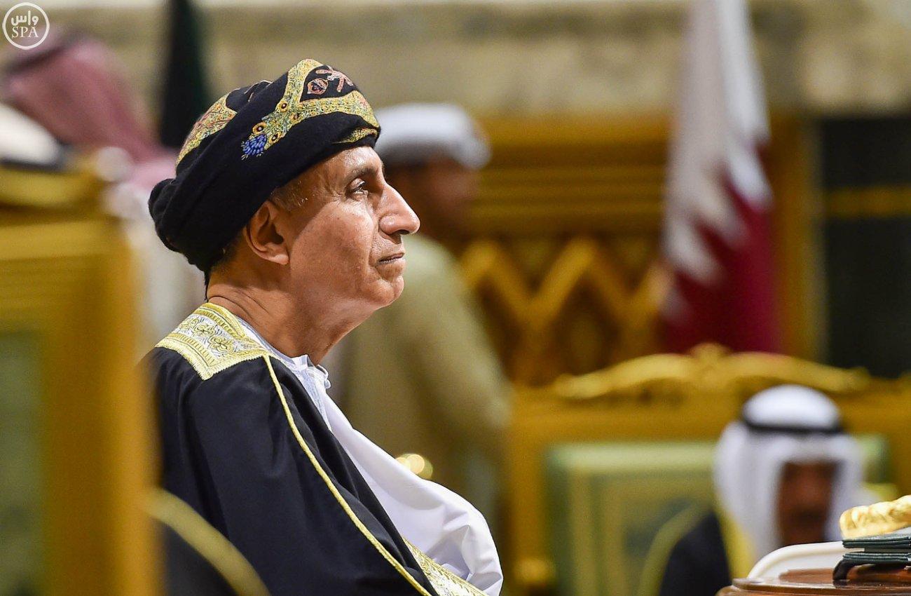 الملك-سلمان-يختتم-اعمال-القمة-الخليجية (1)
