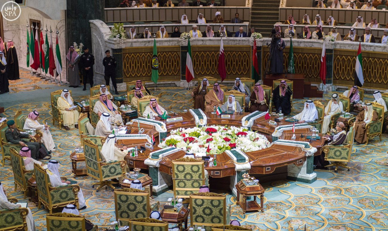 الملك-سلمان-يختتم-اعمال-القمة-الخليجية (10)