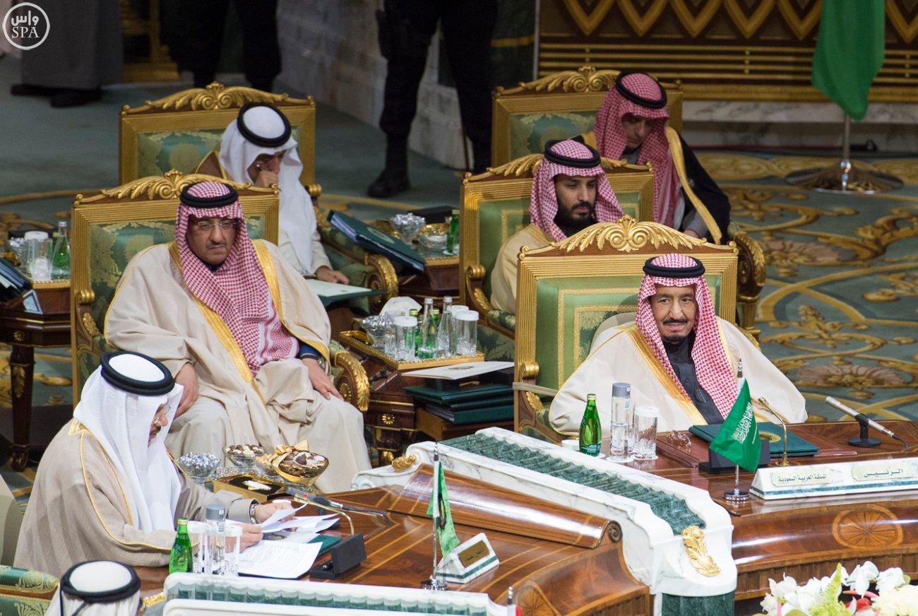 الملك-سلمان-يختتم-اعمال-القمة-الخليجية (11)