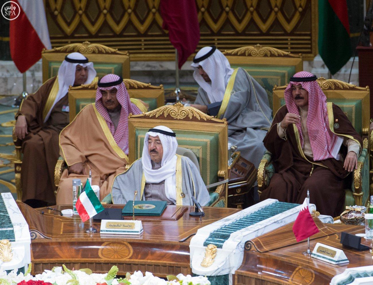 الملك-سلمان-يختتم-اعمال-القمة-الخليجية (2)