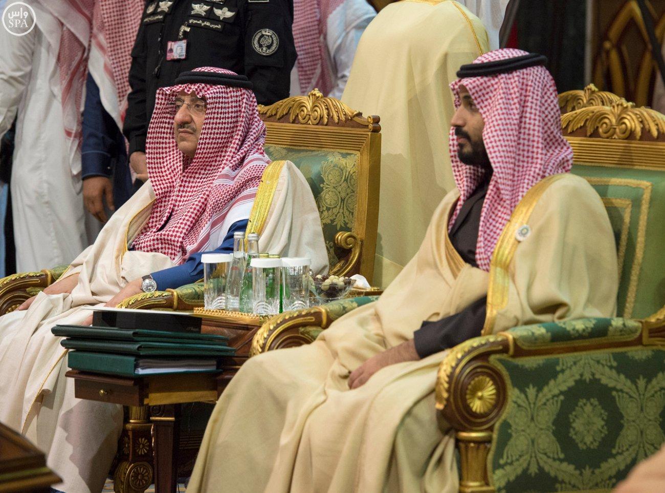 الملك-سلمان-يختتم-اعمال-القمة-الخليجية (3)