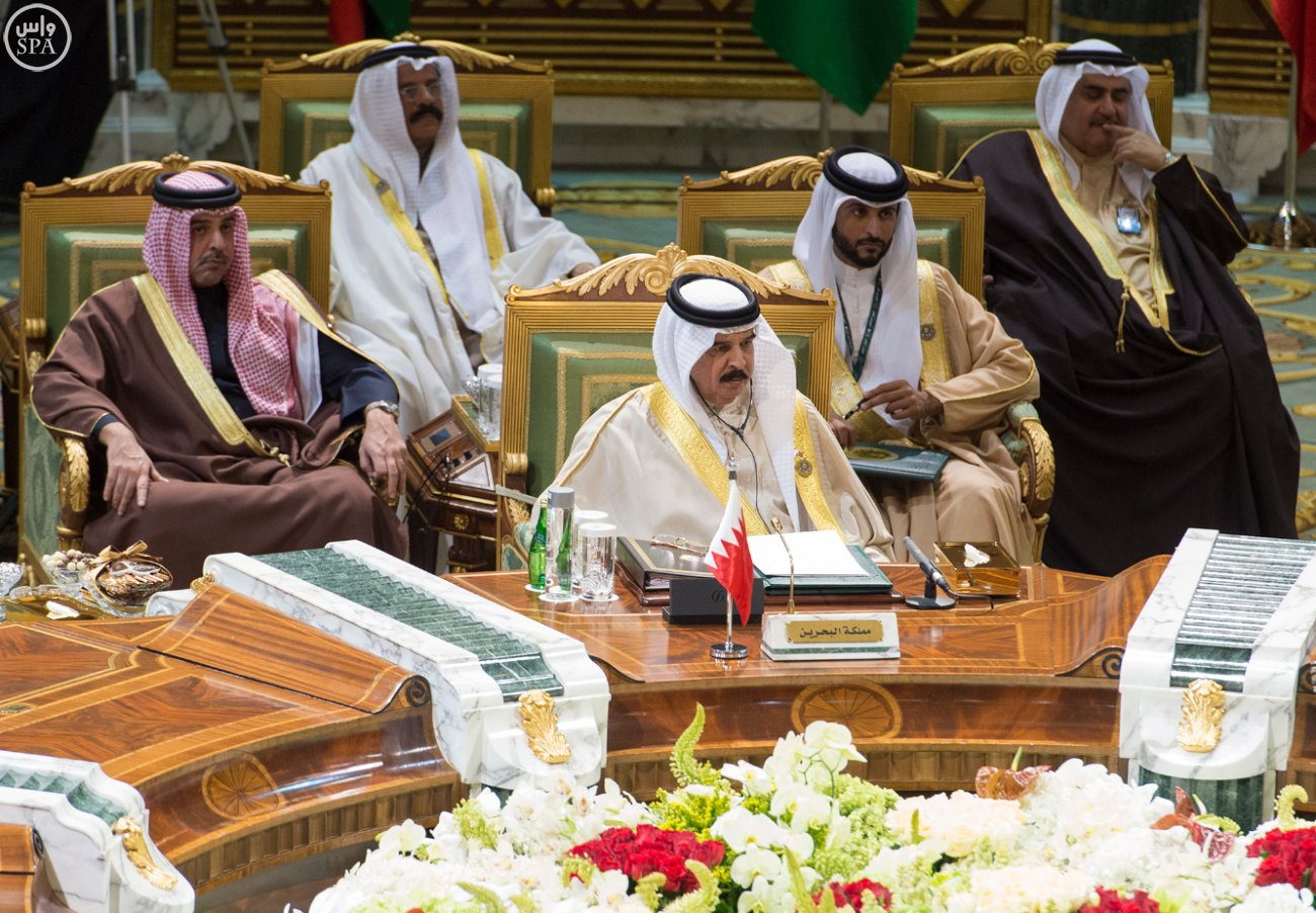 الملك-سلمان-يختتم-اعمال-القمة-الخليجية (8)