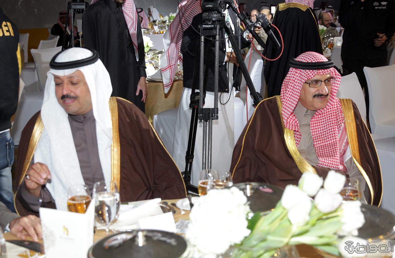 الملك-سلمان-يرعي-حفل-جئزة-الملك-خالد (31)