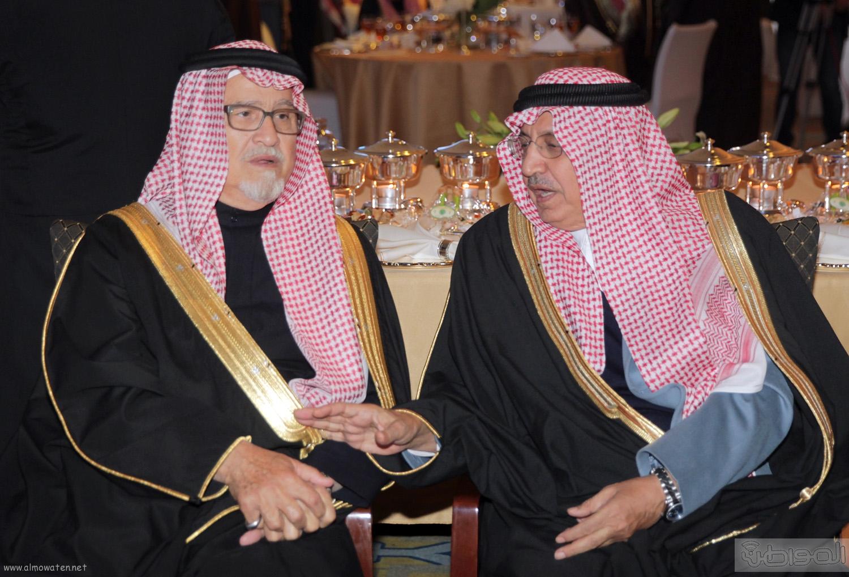 الملك-سلمان-يرعي-حفل-جئزة-الملك-خالد (32)