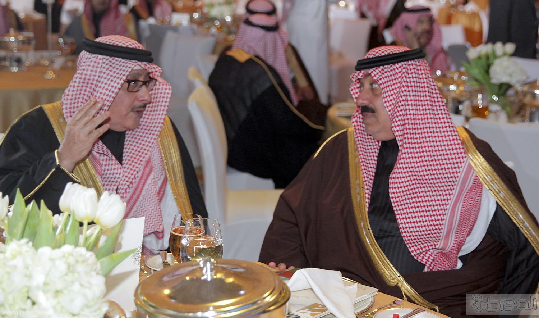 الملك-سلمان-يرعي-حفل-جئزة-الملك-خالد (35)