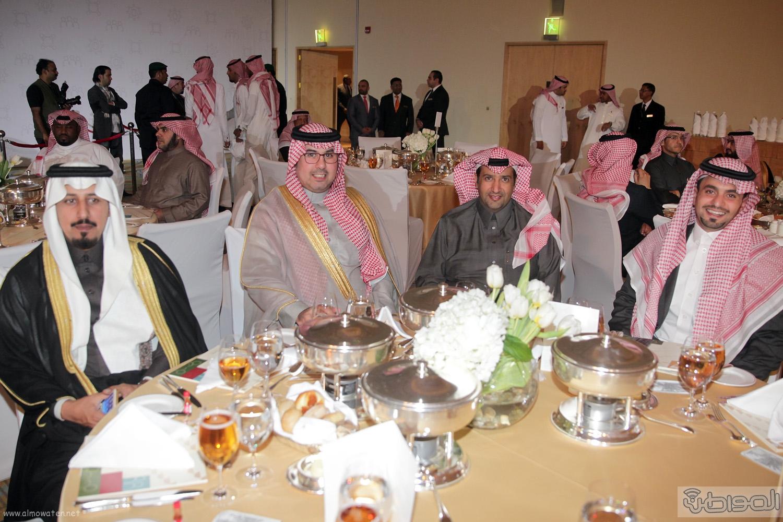 الملك-سلمان-يرعي-حفل-جئزة-الملك-خالد (41)