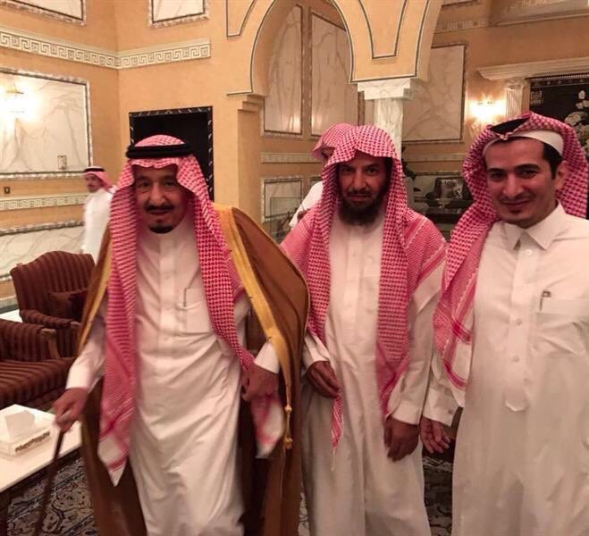 الملك سلمان يزور الشيخ ناصر الشثري