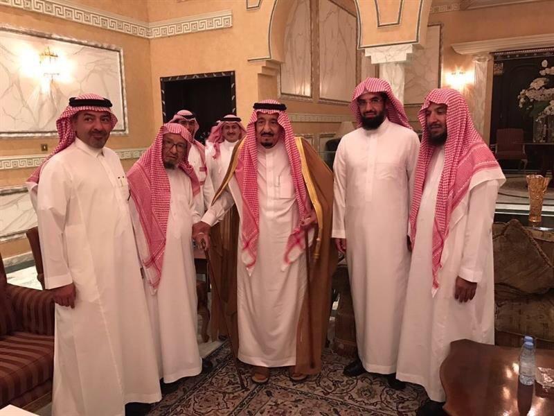 الملك سلمان يزور الشيخ ناصر الشثري2
