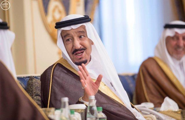 الملك-سلمان-يستقبل-الامراء-والمشايخ (10)