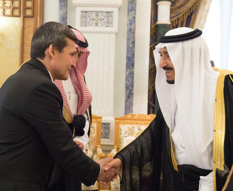 الملك سلمان يستقبل الرئيس التركمانستان1