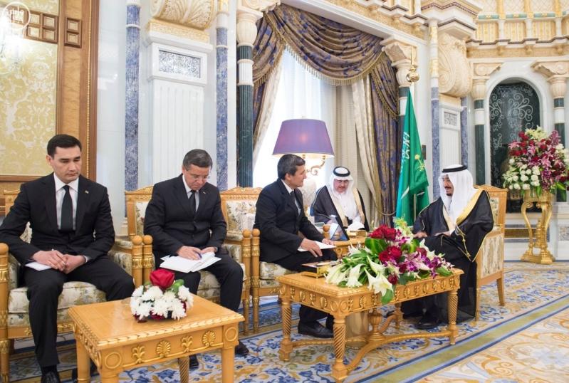 الملك سلمان يستقبل الرئيس التركمانستان3