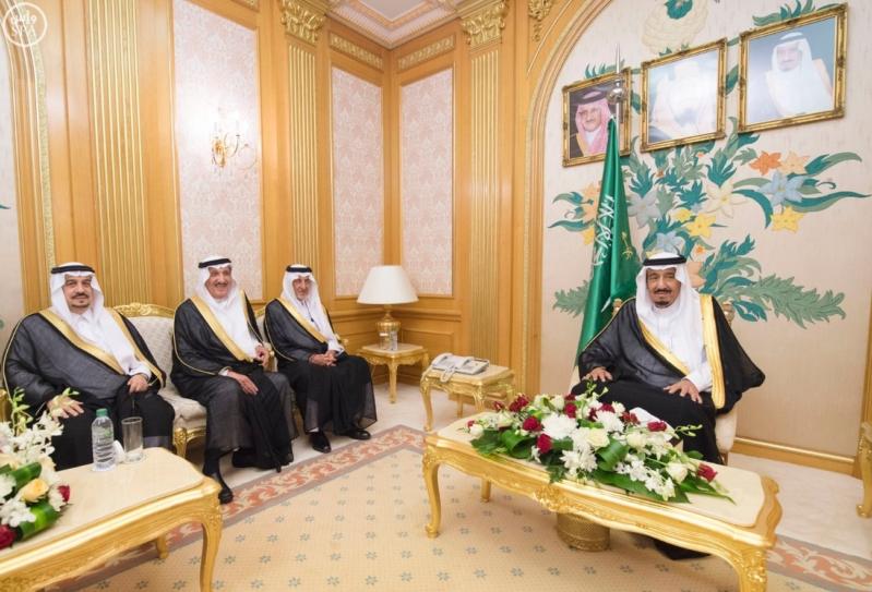 الملك سلمان يستقبل امراء المناطق 3